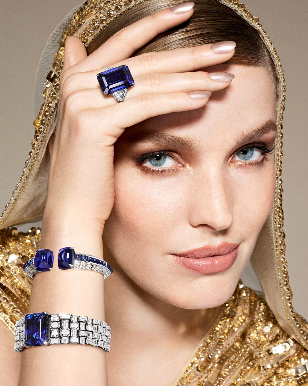 A model wearing Graff sapphire and diamonds high jewellery collection