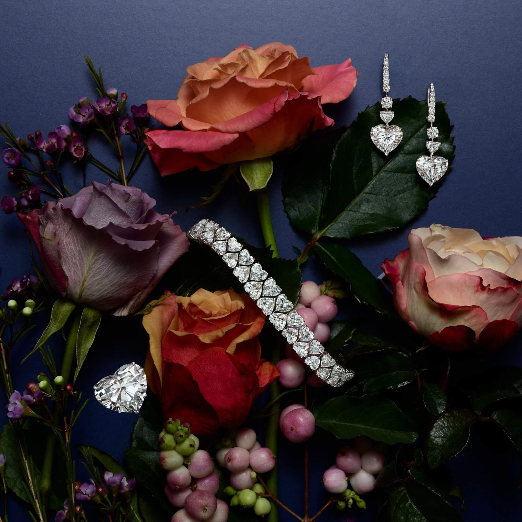 Graff diamond jewellery with flowers decorations
