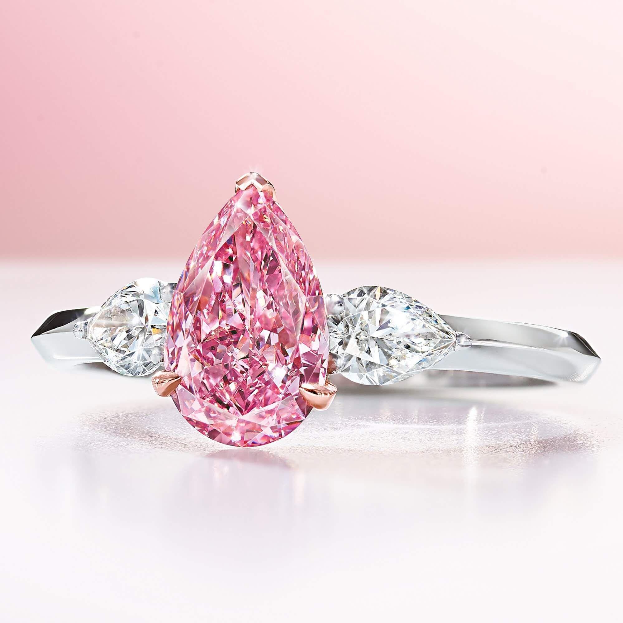 A 1.10 ct Fancy Vivid Pear Shape Pink Graff Diamond Ring - GR70875