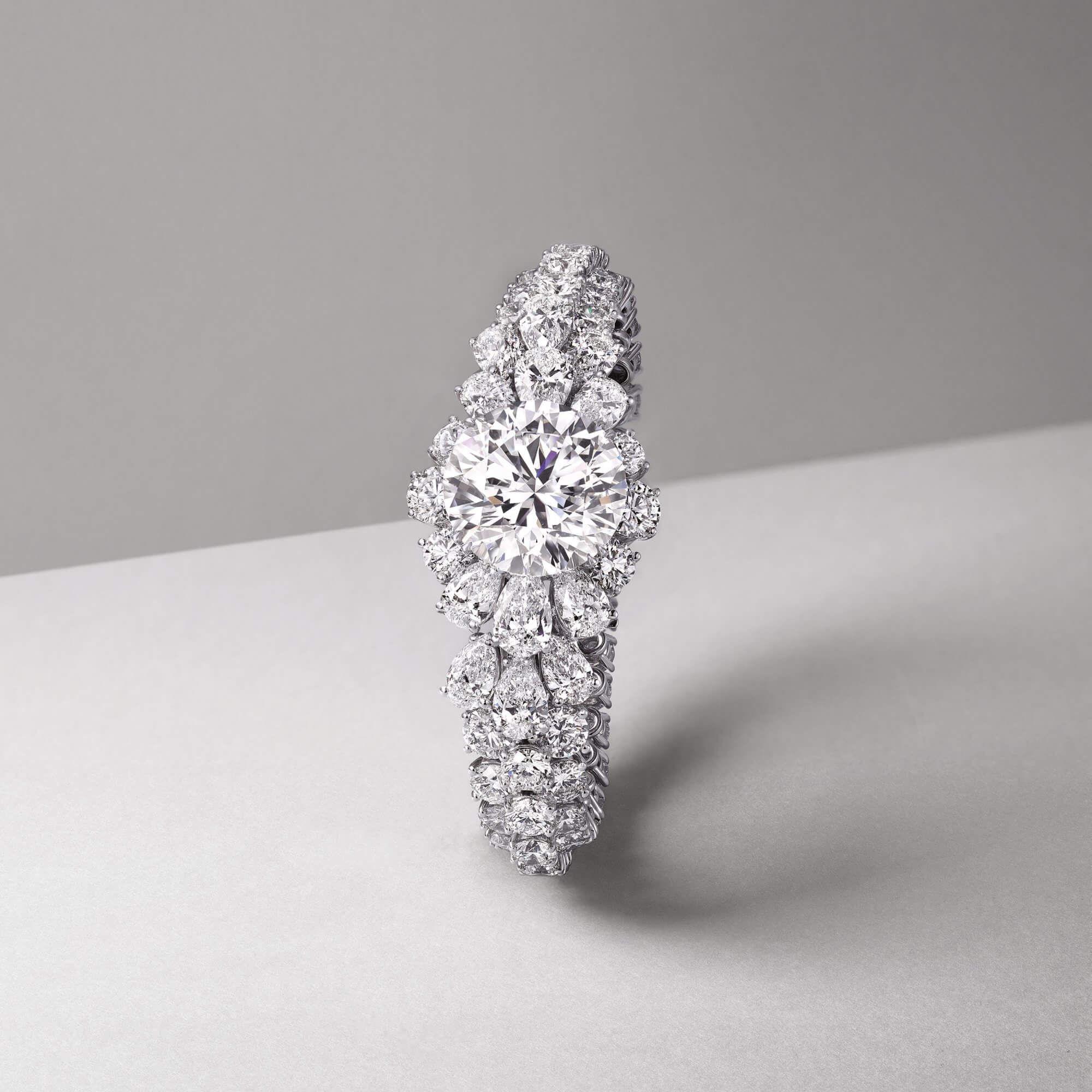 Graff diamond bracelet featuring a 30 carat D round diamond centre stone