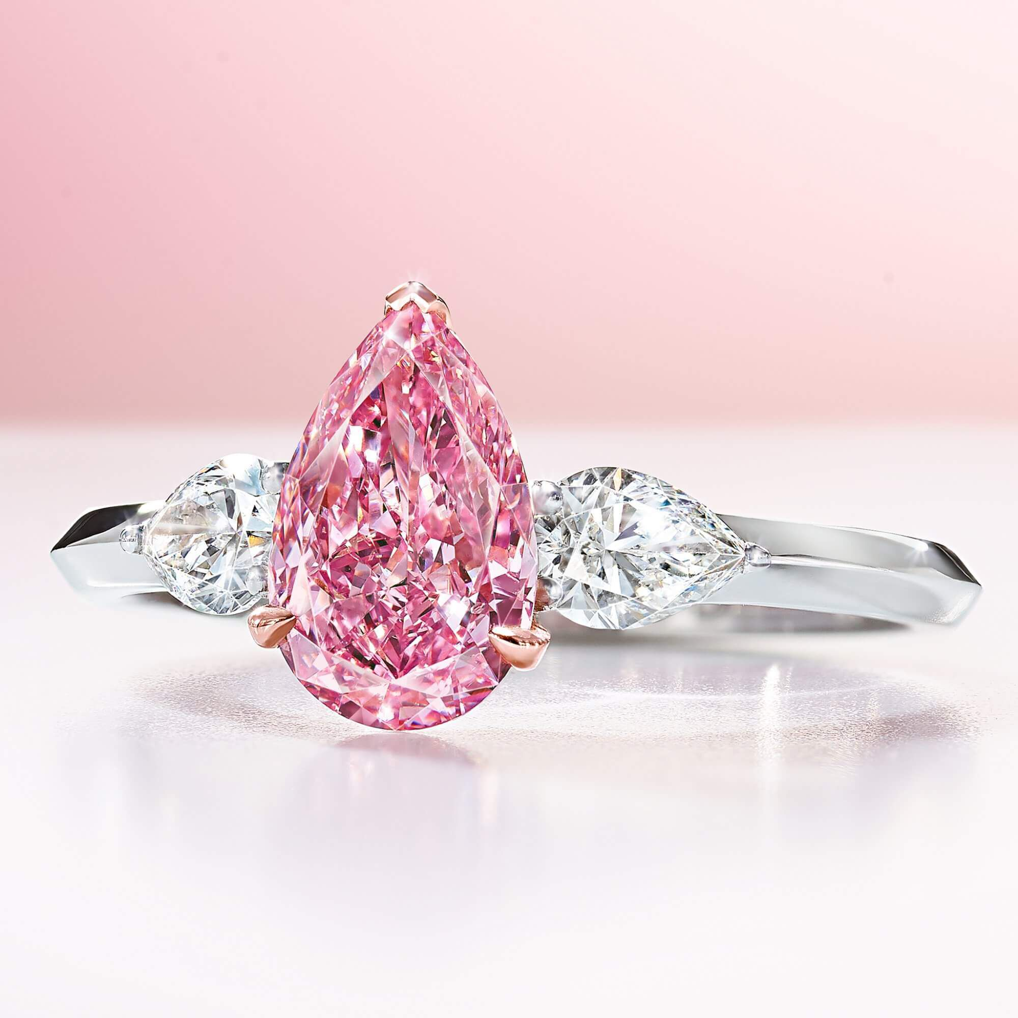 A 1.10 ct Fancy Vivid Pear Shape Pink Graff Diamond Ring - GR70875