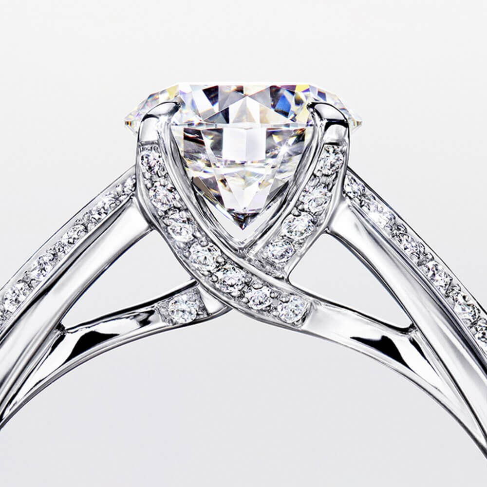 Legacy Round Diamond Engagement Ring from the Graff bridal collection