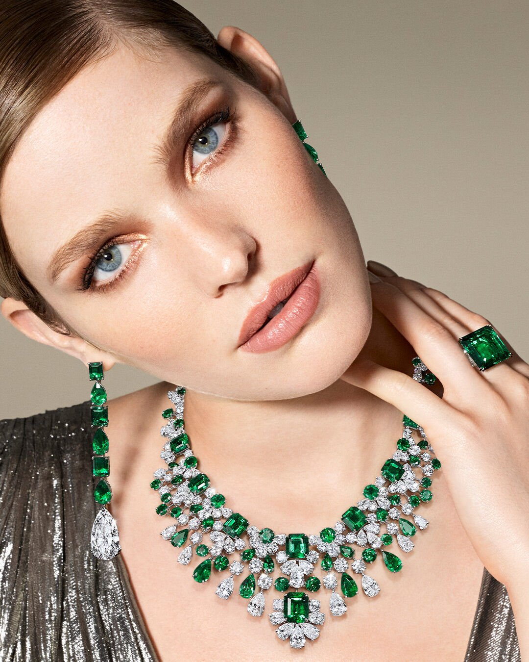 Model wars Graff emerald and white diamond high jewellery