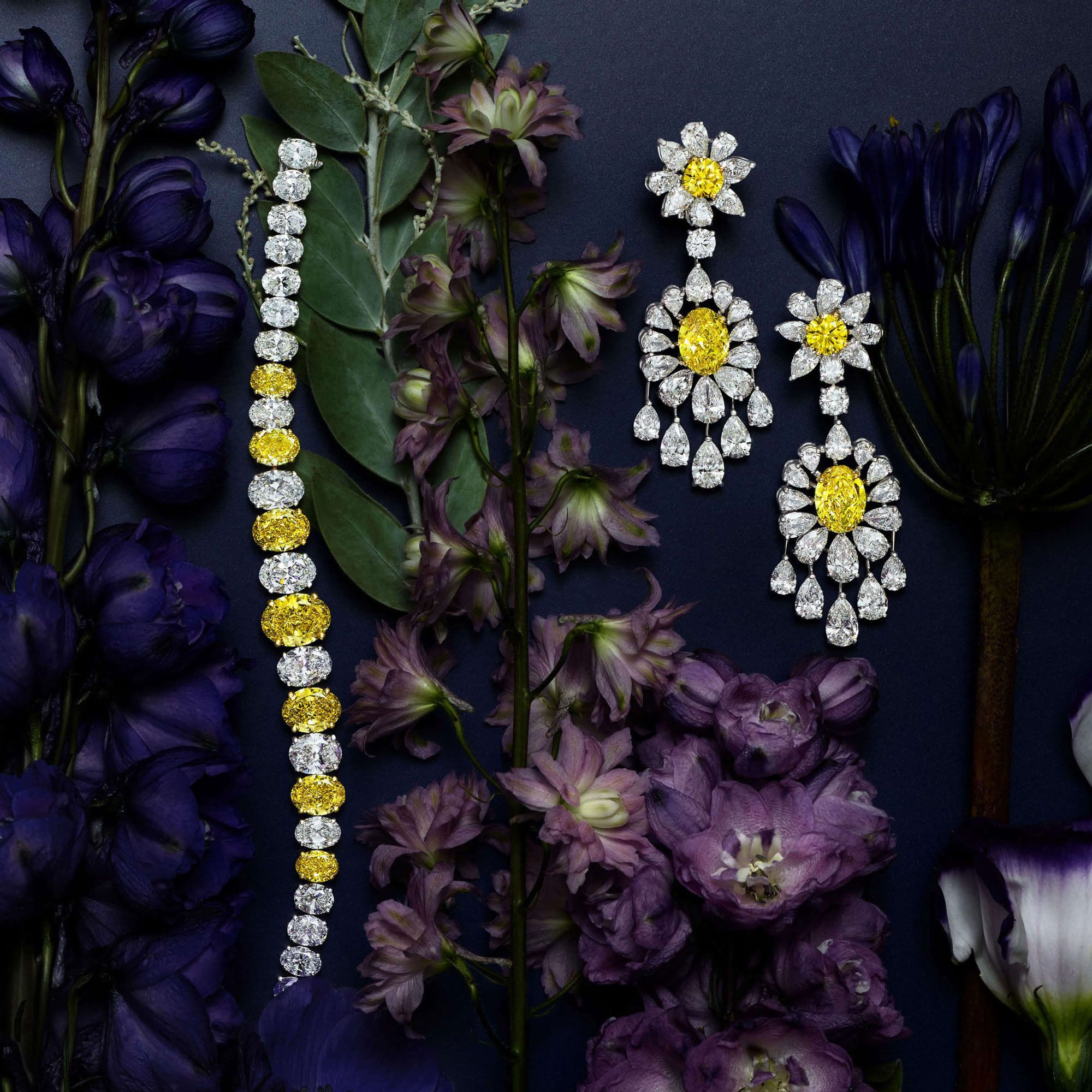 Graff White and yellow diamond High jewellery with flowers decorations
