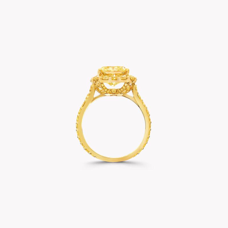 Icon雷地恩形切割黄钻订婚戒指, , hi-res