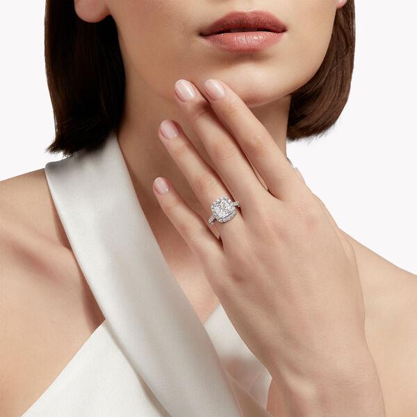 Icon枕形切割鑽石訂婚戒指, , hi-res