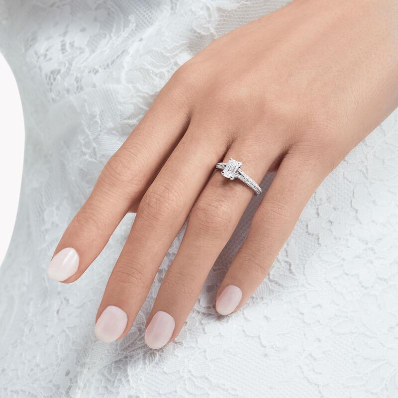 레거시 에메랄드 컷 다이아몬드 인게이지먼트 링, , hi-res