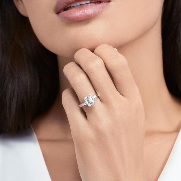 프로미스 에메랄드 컷 다이아몬드 인게이지먼트 링, , hi-res