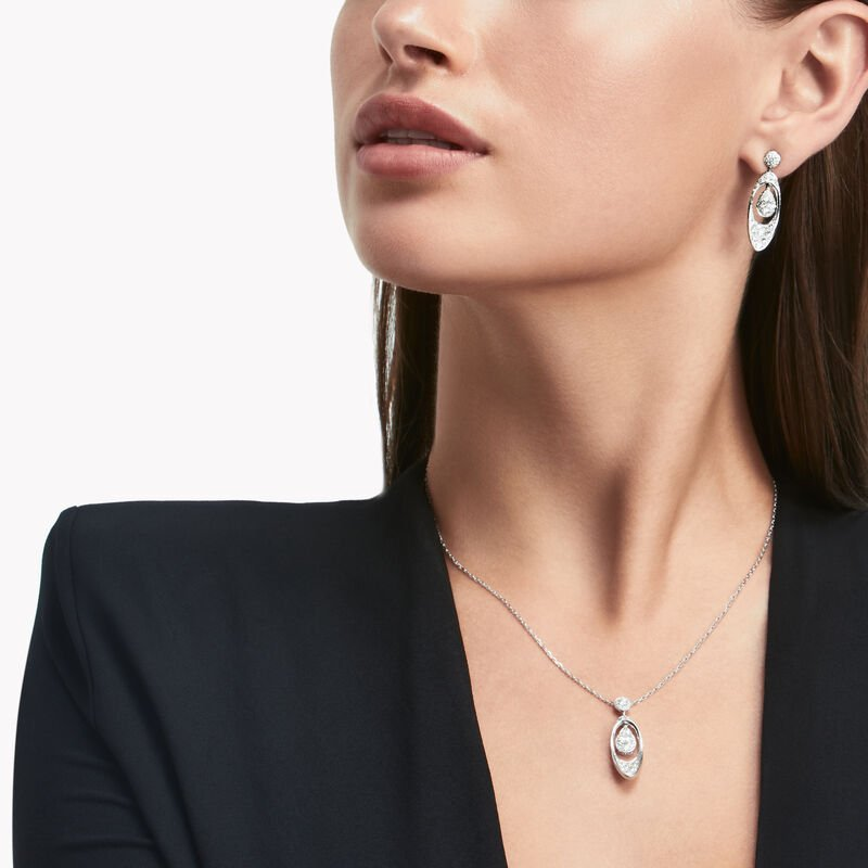 Graff Gateway Pear Shape Diamond Pendant, , hi-res