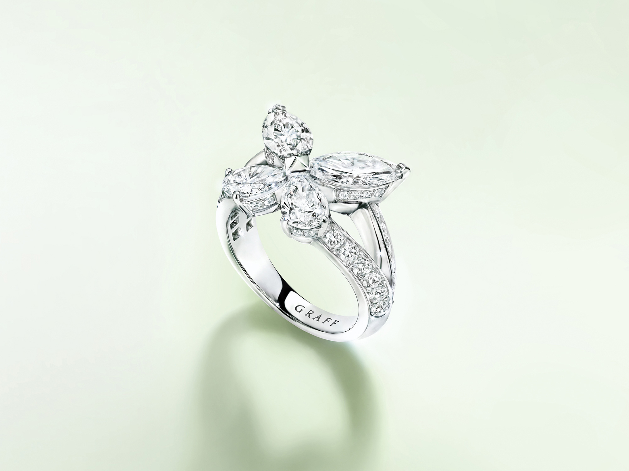 Graff Classic Butterfly Diamond Ring