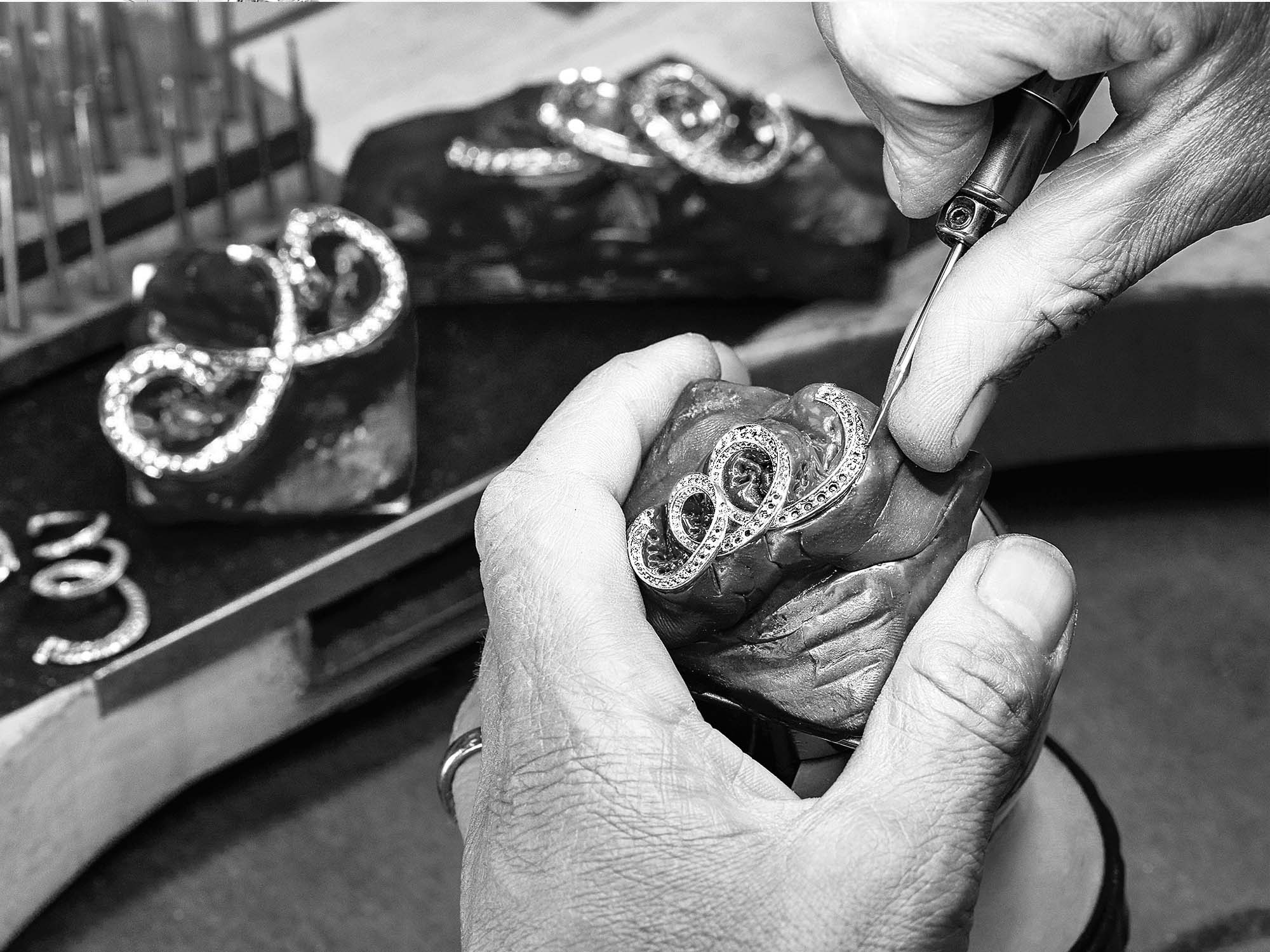 Graff Jeweler crafting Graff Inspired by Twombly diamond jewellery collection.