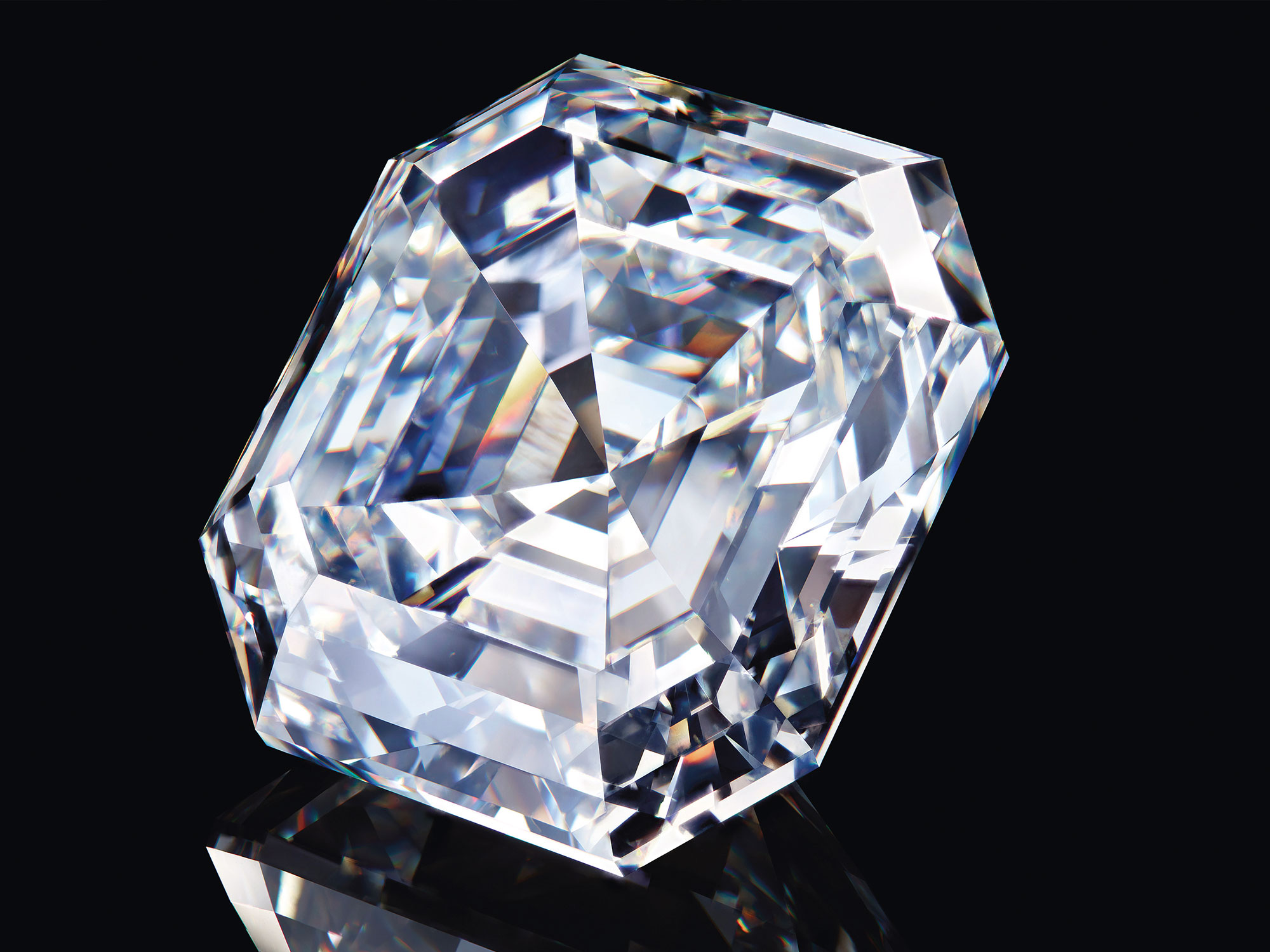 Close up of the 302.37 carat Graff Lesedi La Rona square emerald cut diamond